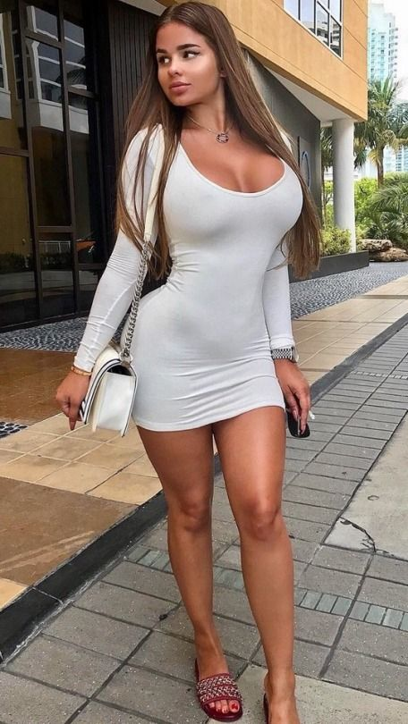 Thick women in tight dresses