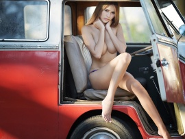 Nude babe in vw
